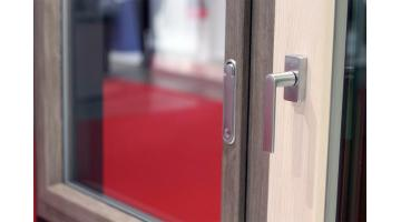Commercio e distribuzione accessori per serramenti