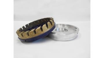 Sistema di fissaggio per mole diamantate a tazze