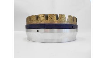 Sistema di fissaggio per mole diamantare metalliche e resinoidi