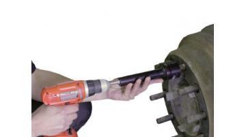 Strumento di pulizia bulloni ruote