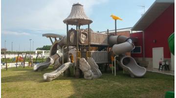 Playground bambini da esterno festopolis for Cancelletto bambini da esterno