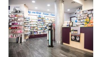Distributore ticket saltacoda touch screen per farmacia