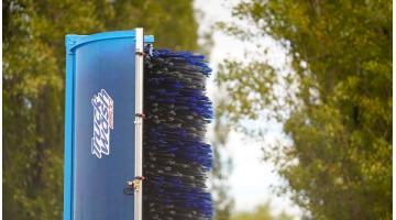 Impianto mobile per lavaggio autobus e veicoli commerciali