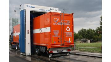 Sistema di lavaggio camion a portale