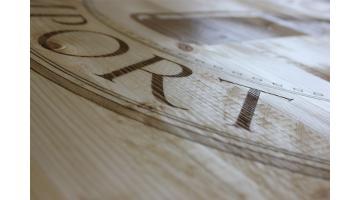 Incisioni personalizzate su legno