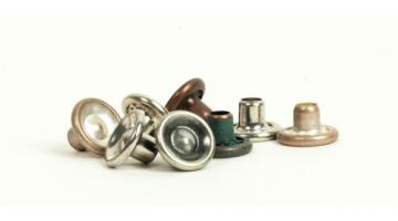 Bottoni metallici per abbigliamento