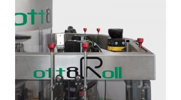 Macchina etichettatrice roll fed