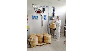 Robot manipolazione formaggi