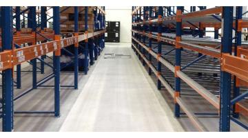 Flooring for intensive warehouses