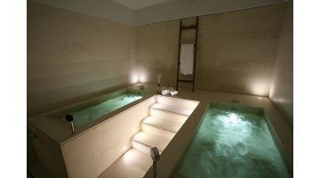 Materiale autoportante per produzione piscine