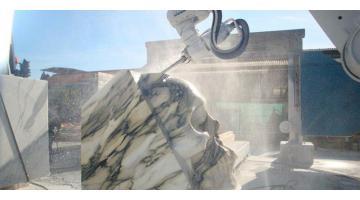 Robot antropomorfi per marmo