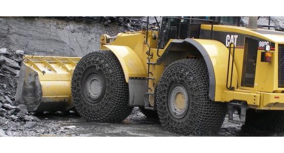 Catene di protezione e trazione per scavatori e trattori: le soluzioni Rud - Erlau